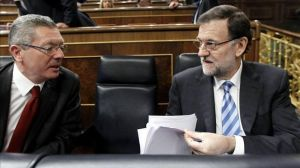 Mariano Rajoy, junto a Alberto Ruiz-Gallardón. \ EFE.