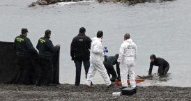 Recogida de un cadáver en Ceuta / Efe