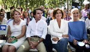 Aguirre, Aznar, Botella y Cifuentes en un acto de campaña en Madrid Río. EFE.